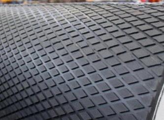 Резина футеровочная TRS MINI 60 10*2000*10000 мм, Ромб 33 мм × 17 мм