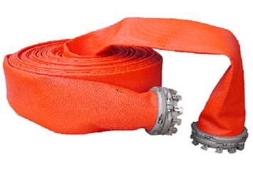 Плоскосворачиваемый полиуретановый рукав большого диаметра