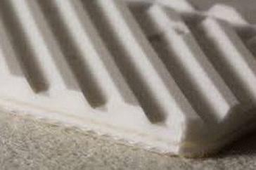 Двухслойная транспортерная лента из пищевого ПВХ со структурной поверхностью толщиной 4.8 мм, Рабочая температура °С -10/+80