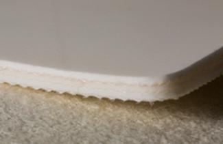 Трёхслойная лента из пищевого ПВХ с самозатухающим материалом толщиной 6.2 мм. Рабочая температура °С -10/+80