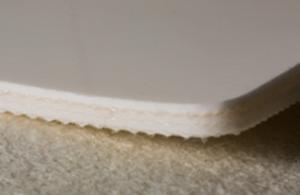 Трёхслойная лента из пищевого ПВХ с самозатухающим материалом толщиной 6.2 мм. Ду вала 120 мм