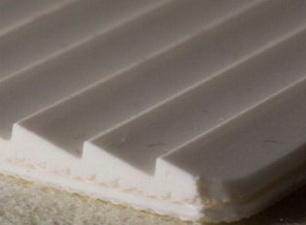 Двухслойная транспортерная лента ПВХ пищевая с с зубчатой рабочей поверхностью с s- 4 мм, Рабочая t -15/+90°С