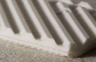 Двухслойная транспортерная лента из пищевого ПВХ со структурной поверхностью толщиной 4.8 мм