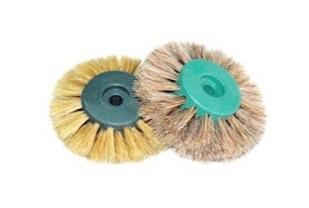 Щетка-ролик для шлифмотора, 4-х рядная. Используется для полировки зуботехнических изделий.