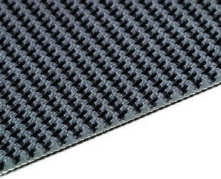 Резиновая лента с пупырчатой поверхностью 2-слойная конструкция с обрезанными краями и каркасом из EP-ткани ,3.2/1.6